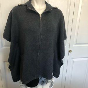 White House black market grey sweater poncho sz.S